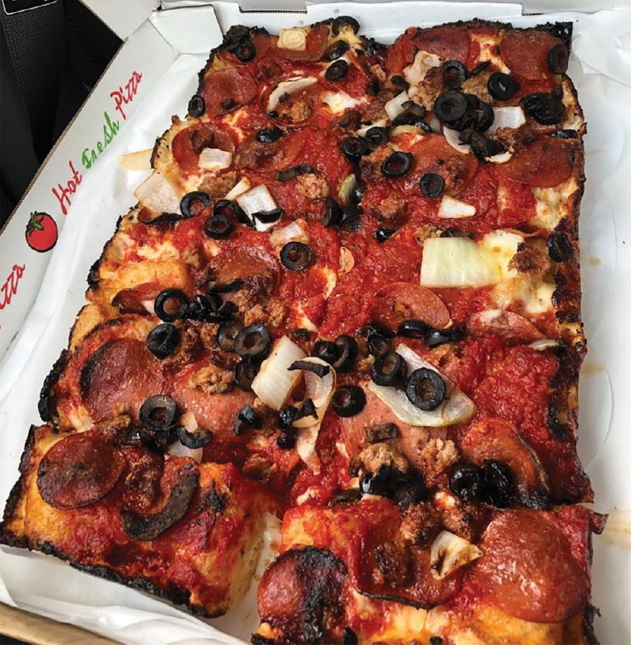 Benny's Classic Pizza